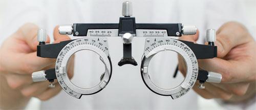 Eye exam tool